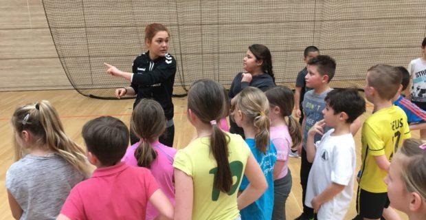 Kreative Spielideen begeistert an die 70 Kinder beim 1. HBF – Schultag