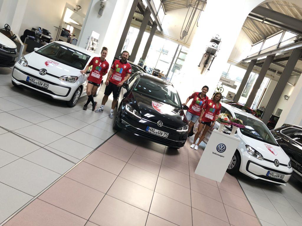 Autoübergabe an Wildcats im Volkswagenzentrum Halle